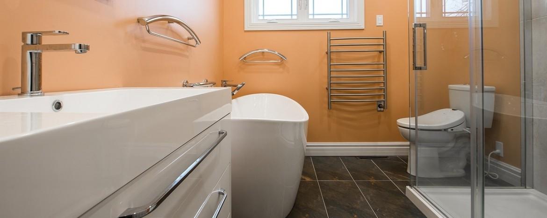 Убираем в ванной: секреты сверкающей чистоты