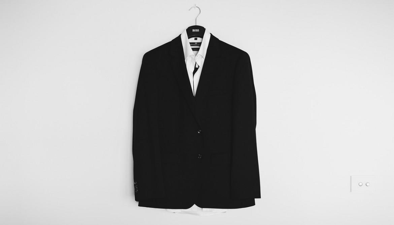Как ухаживать за белой и черной одеждой школьника? Все ответы у HG!