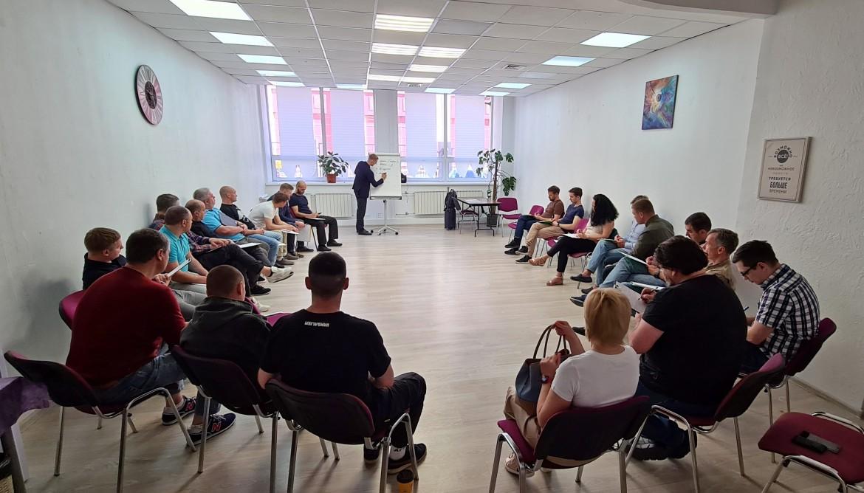 Сотрудники компании «Русавтолак» прошли тренинг по продажам «Практикум»